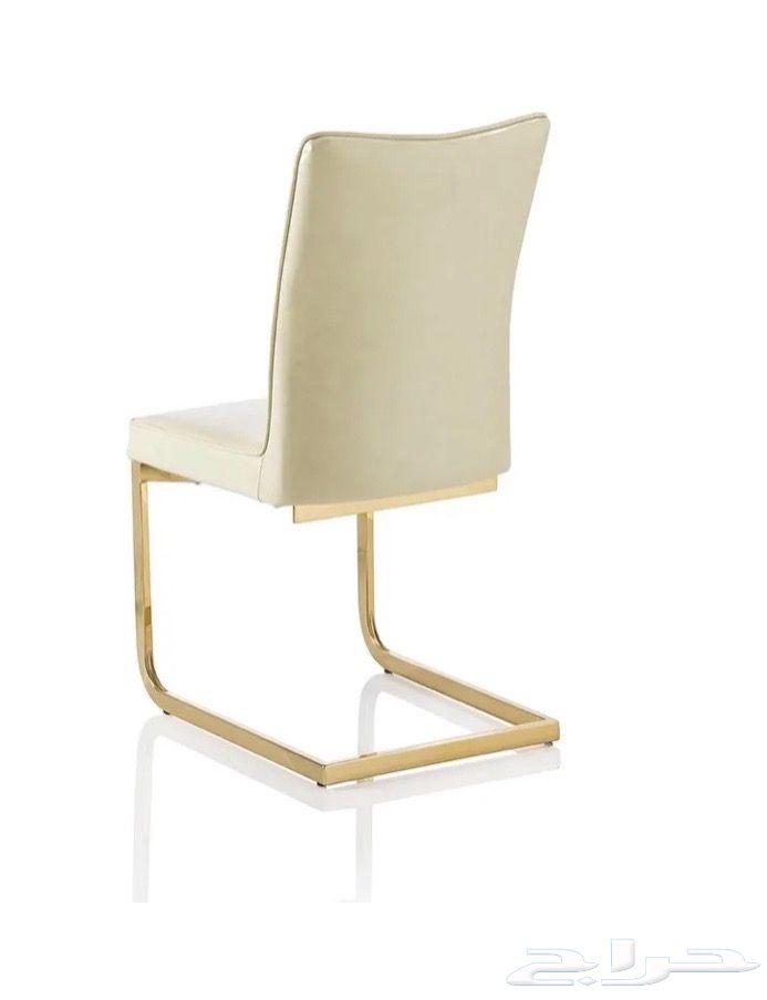 للبيع طاولة طعام فخمه رخام بني مع الكراسي.