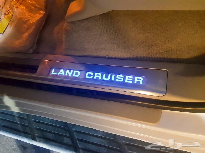 تويوتا لاندكروزر GXR 2017 فل كامل دبل
