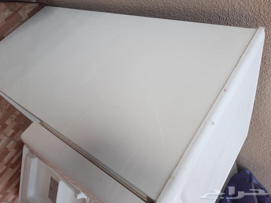 ثلاجة LG صغيرة نظييفة جدا للبيع 110فولت