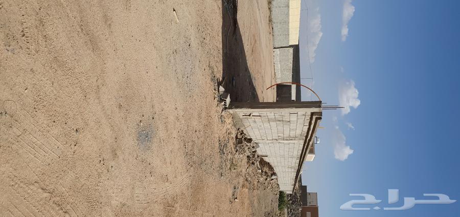 أرض للبيع في اواله طريق جليل. مساحتها 1700